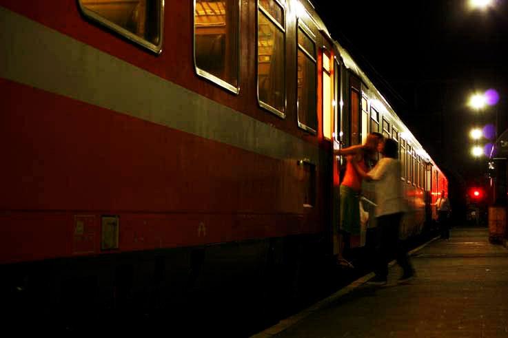 amoureux, train, gare jonfosse, Liège, baiser