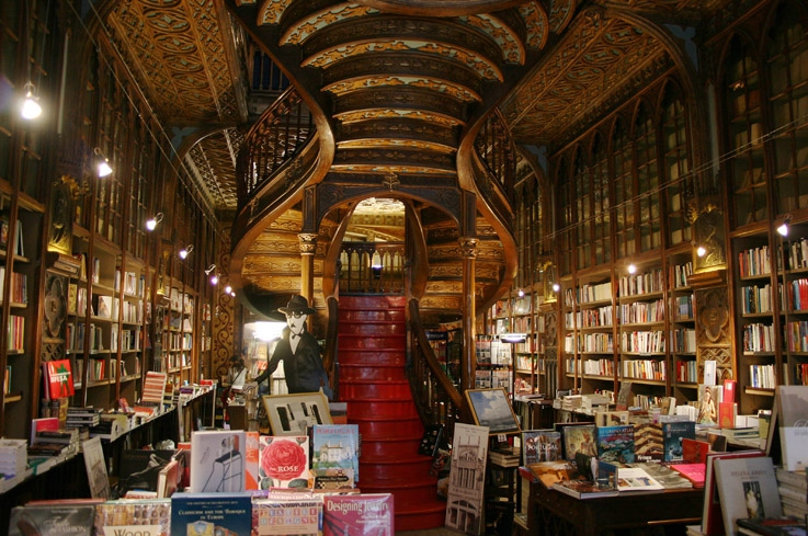 livraria Lello & Irmão, Porto, portugal, photo dominique houcmant, goldo graphisme