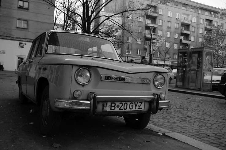 dacia 1100, masina romania, voiture, car, fotografie, photo dominique houcmant, goldo graphisme