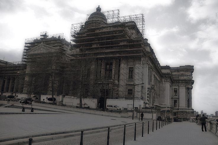 le Palais de Justice de Bruxelles, Brussels - the Palace of Justice, Justitiepaleis Brussel, Bruselas, photo dominique houcmant, goldo graphisme