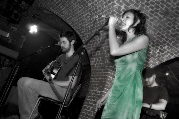 Elena, Superlux en concert acoustic version, le botanique, bruxelles, 10 ans de la Soundstation, photo dominique houcmant
