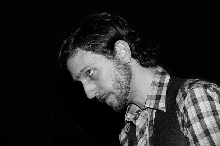 Tony Dekker, Great Lake Swimmers, concert live à la Soundstation, Liège 20 avril 2007, photo dominique houcmant, goldo graphisme