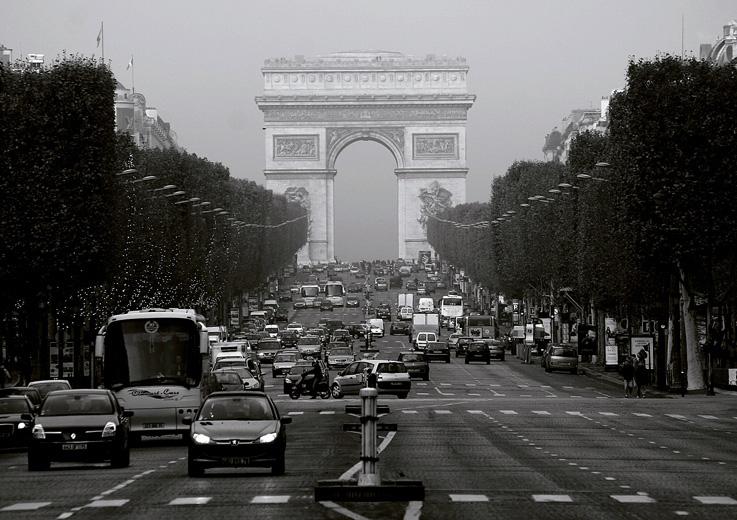 Champs Elysées, Arc de Triomphe, Paris, photo dominique houcmant, goldo graphisme