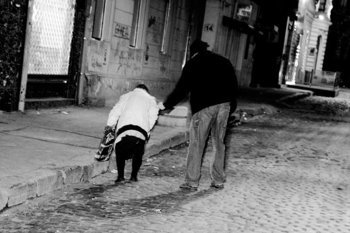scene de rue, Bucarest roumanie, Bucuresti romania, street shot, Bucharest, fotografie, photo dominique houcmant, goldo graphisme