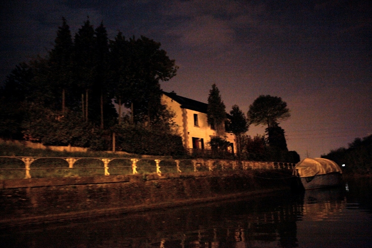 maison, canal de l'Ourthe, nuit, nocturne, night, Angleur, Liège, canal house, foto, photo dominique houcmant, goldo graphisme