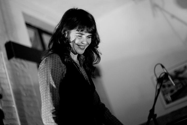 Françoiz Breut, live, music, chanteuse, concert, Le TIPI, Liège, foto, photo dominique houcmant, goldo graphisme