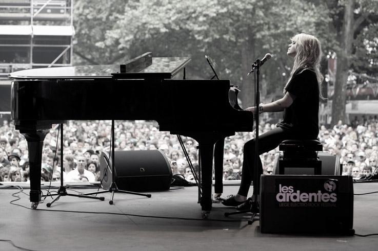 Cœur de Pirate, Béatrice Martin, concert, live, festival les Ardentes, Liège, foto, photo dominique houcmant, goldo graphisme