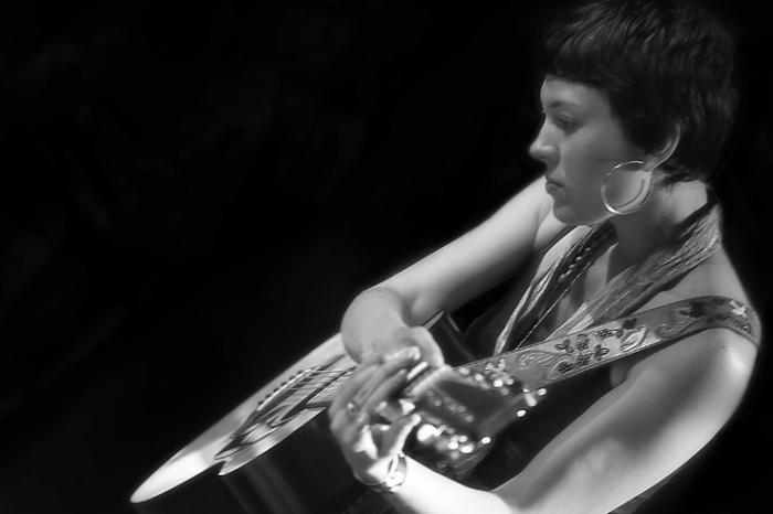 Alela Diane Menig, singer, songwriter, folk, concert, live, festival les Ardentes, Liège, foto, photo dominique houcmant, goldo graphisme