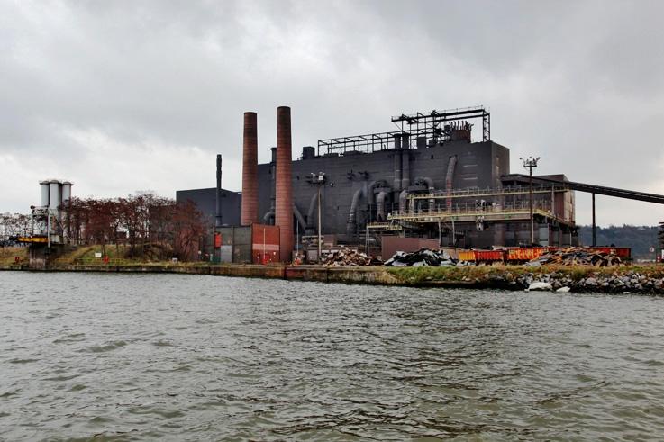 Chertal, usine, laminoir, Wallonie, Belgique, canal Albert, photo