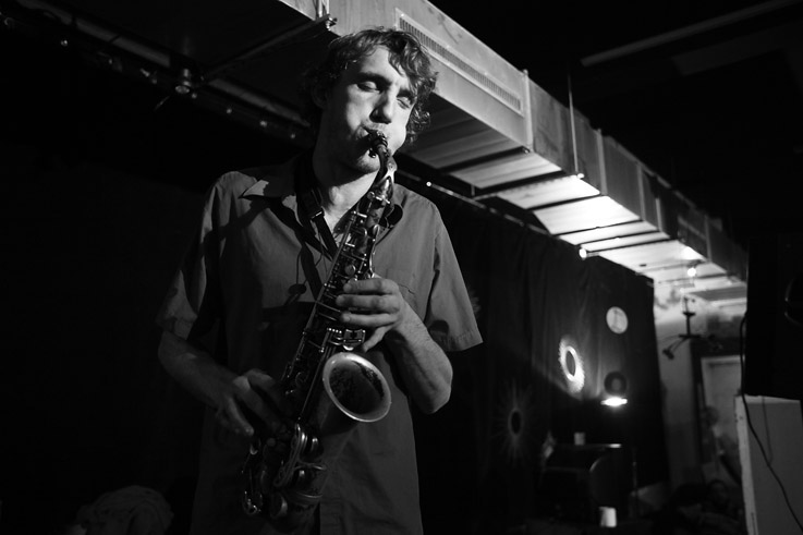 Grégoire Tirtiaux, musicien, jazz, saxophone, concert, live, nuits du paradoxe, caserne Fonck, © photo dominique houcmant
