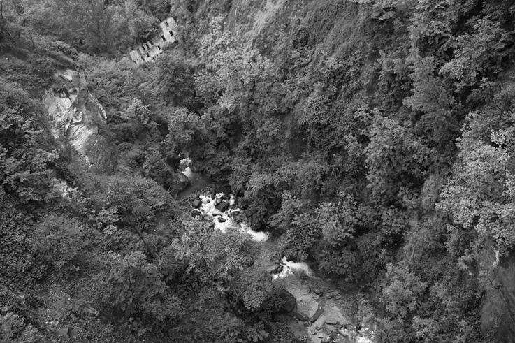 foto torrente Marmore, Châtillon, valle d'aosta, Val D'aoste, valle d'aosta, Italia, Italy, Italie, © photo dominique houcmant