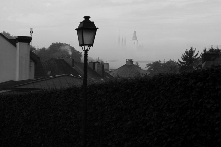 luxembourg ville, city, panorama, mist, brouillard, clochers, bell towers © photo dominique houcmant