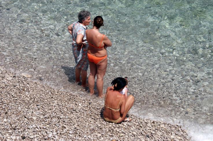 photo femmes et filles, mer plage, woman, girls sea, beach, © photo dominique houcmant