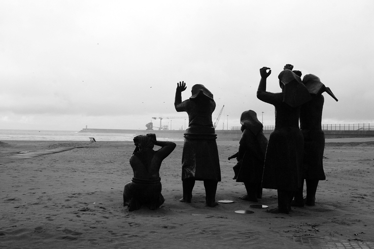 As mulheres dos pescadores, sculpture, monument, Matosinhos, Porto, Portugal, Oporto, océan atlantique © photo dominique houcmant