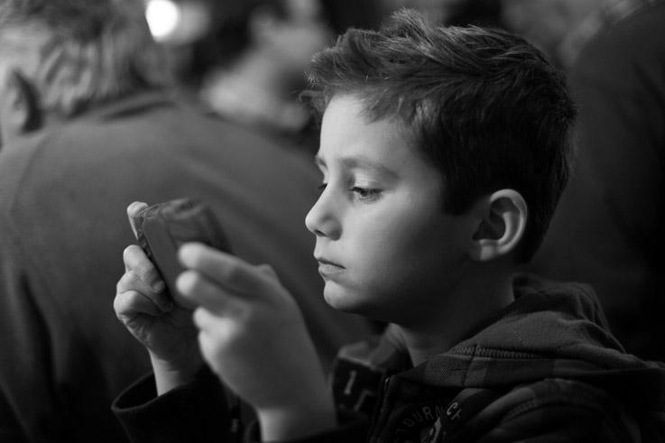 photo PSP, PlayStation Portable, enfant, child, photo dominique houcmant, goldo graphisme