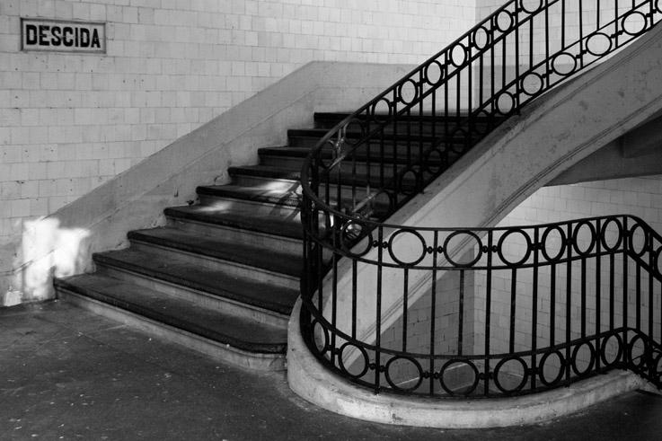 photo, escaliers, stairs, mercado do bolhão, porto,portugal, escadarias, oporto, marché, market, photo dominique houcmant, goldo