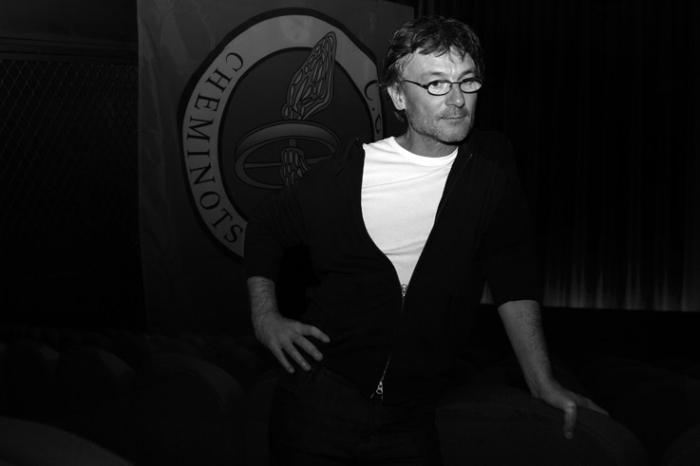 Sébastien Jousse, cinéma, réalisateur, portrait, cheminots, photo dominique houcmant, goldo graphisme
