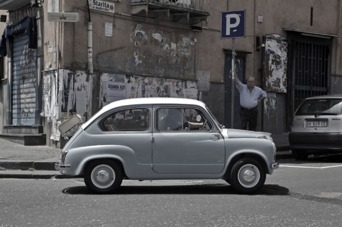 Fiat 600 - 1959, automobile, classic car, oldtimer, Napoli Italia, photo dominique houcmant, goldo graphisme
