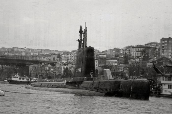 sous-marin,submarine, USS Thornback SS-418, TCG Uluçalireis (S-338), Rahmi M. Koç Museum, IStanbul Turquie, Turkey, photo dominique houcmant, goldo graphisme