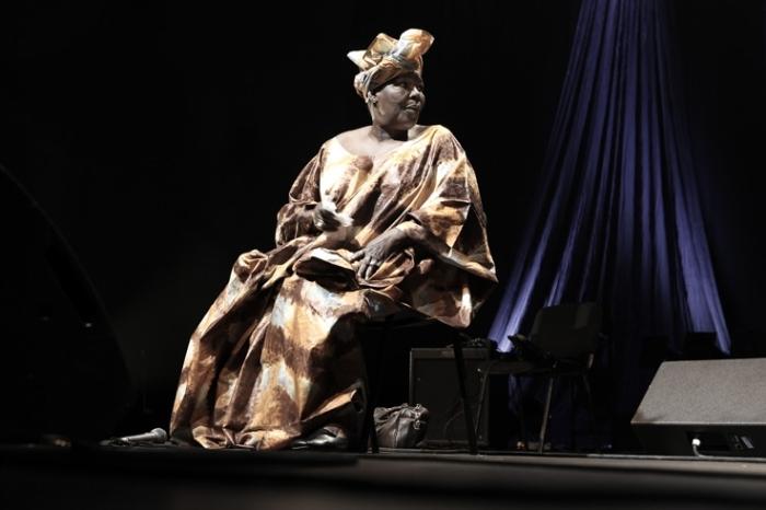 Bako Dagnon, world music, concert, live, Liège, Caserne Fonck, Liège, festival des voix de femmes, photo dominique houcmant, goldo graphisme