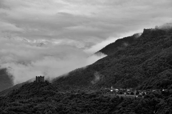 chatillon, photo, montagne, mountain, val d'aoste, aosta alley, valle d'aosta, italie, italia, italy, Castello di Ussel, chateau, castel, ussel, castello, © photo dominique houcmant