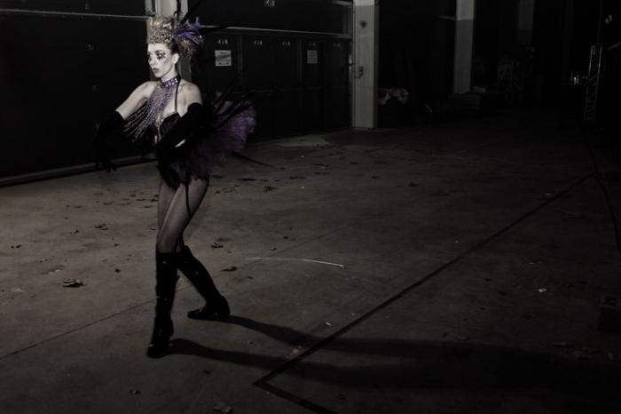 danseuse Diamond's revue soirée love disco 2011, dancer, halles des foires de coronmeuse, Liège, disco dancer, © photo dominique houcmant