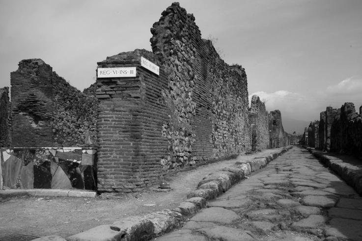 Vicolo di Modesto, Italia, Pompei,  street in Pompeii, ruelle, Italie, Italy, © photo dominique houcmant