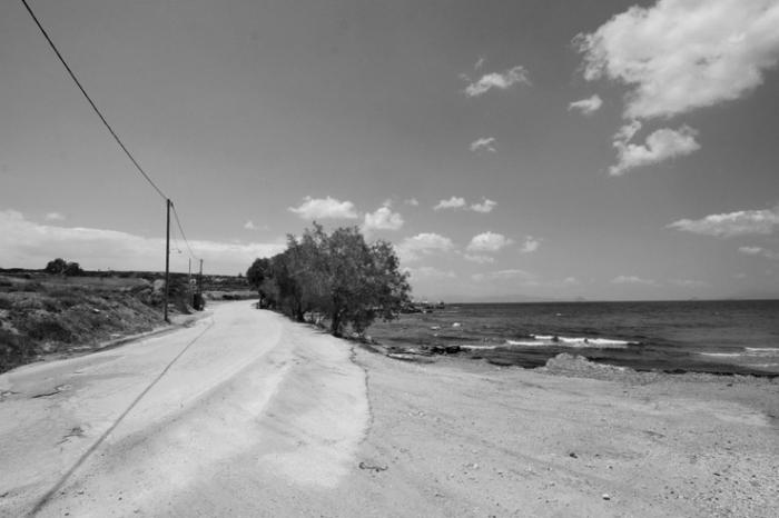 route en bord de mer, île d'Egine, golfe Saronique, Grèce, road along the sea, Aegina Island, Saronic Gulf, Greece, © photo dominique houcmant