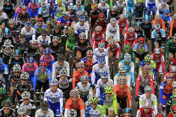 peloton, cyclisme, Liège-Bastogne-Liège 2012, quai des ardennes, road cycling race, coureurs, © photo dominique houcmant