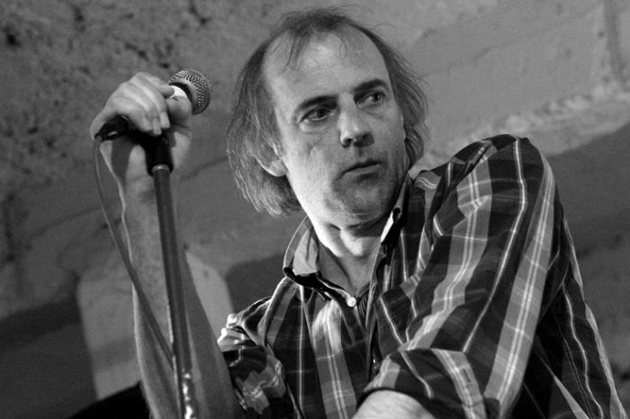 Sam Louwyck - acteur, chanteur, danseur, Falling Man, music, concert, live, rock, Liège, photo dominique houcmant, goldo graphisme