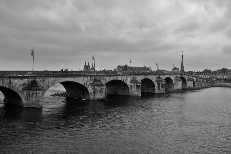 le pont Jacques-Gabriel, Blois, loire, pont, bridge, © photo dominique houcmant