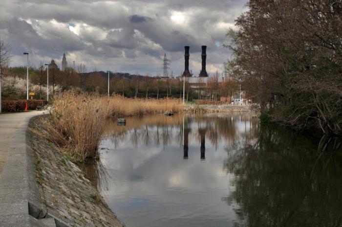 paysage canal de l'Ourthe angleur, Liège, Belgique, photo dominique houcmant, goldo graphisme