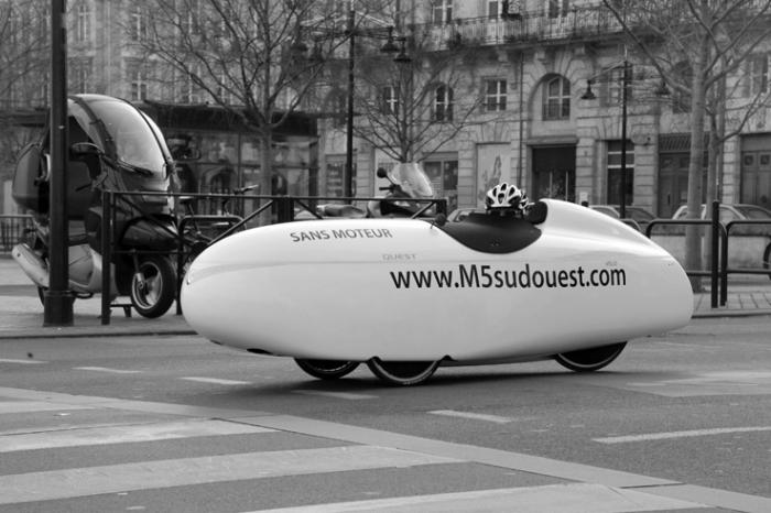 velomobile quest, voiture sans moteur, velomobiel, photo dominique houcmant, goldo graphisme