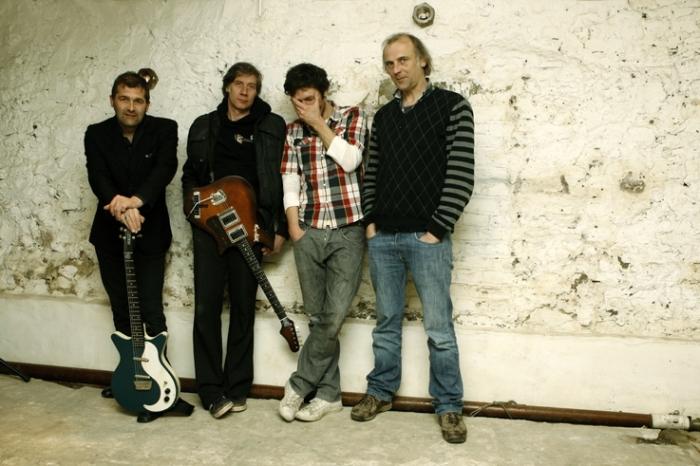 Falling Man, Lode Sileghem, Polie Van De Velde, Sven De Potter, Sam Louwyck, groupe, band, music, concert, live, rock, Liège, photo dominique houcmant, goldo graphisme
