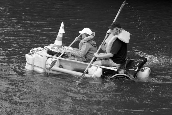 11eme course de Baignoires, Canal de l'Ourthe, Belle-île, Angleur, liège, © photo dominique houcmant