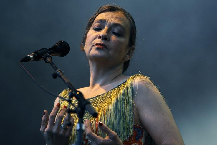 Catherine Ringer, Rita Mitsouko,chanson française, rock portrait, concert, francofolies de Spa, Belgique, photo dominique houcmant, goldo graphisme