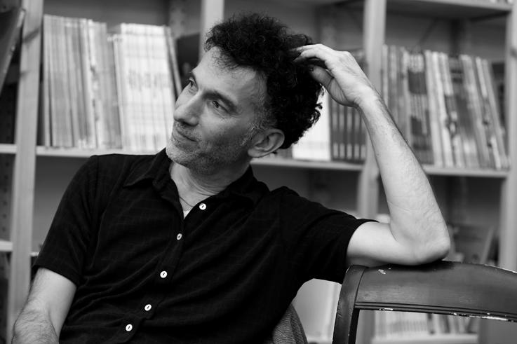 Fabio Viscogliosi, écrivain, chanteur, dessinateur, librairie Le Livre aux trésors, Liège © photo dominique houcmant