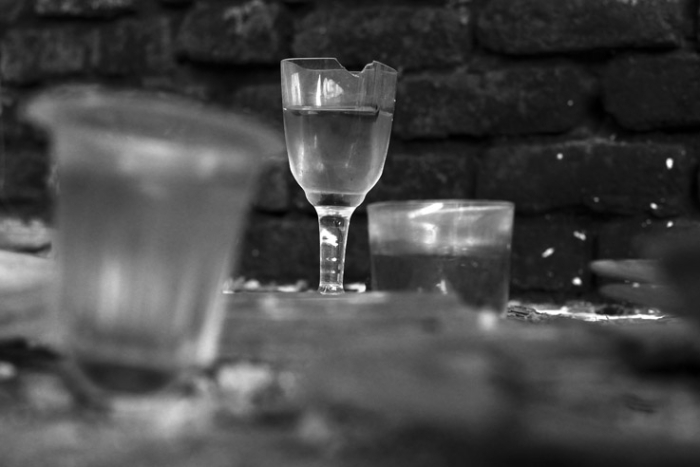 verres en cristal, Cristalleries du Val-Saint-Lambert, crystal glasses, seraing, urbex, photo dominique houcmant, goldo graphisme