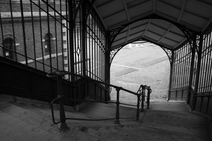 escaliers de la gare de chaudfontaine, Belgique, vue descendante, railway station stairs, © photo dominique houcmant