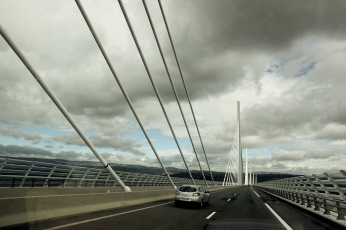 sur le viaduc de Millau crossing the Millau viaduct, bridge, pont, France, photo dominique houcmant, goldo graphisme