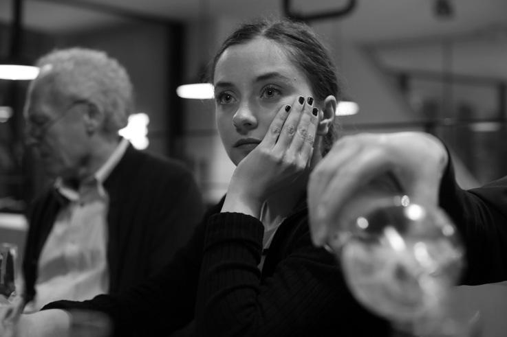 portrait, Cosmina Stratan, au-delà des collines, cinema sauvenière liège, photo dominique houcmant, goldo graphisme