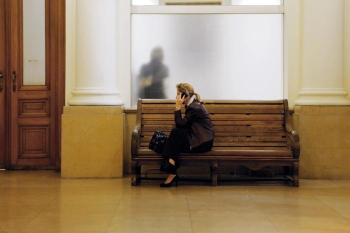femme, téléphone, mobile, gsm, conversation téléphonique, phone, woman, photo dominique houcmant, goldo graphisme