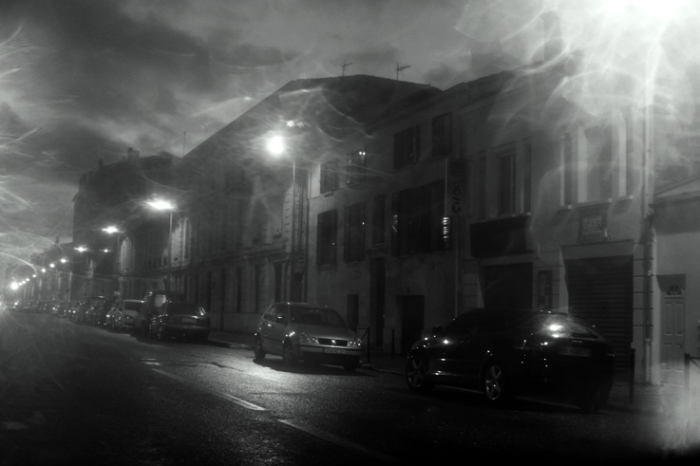 quai de Bacalan Bordeaux sous la pluie, street in the rain, photo dominique houcmant, goldo graphisme