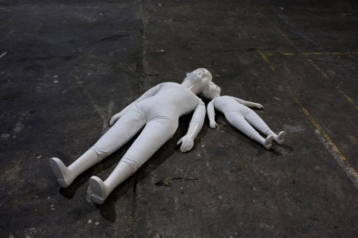 Michael Dans, installation, Eike und Berit, exposition, Saint-Luc, Liège, photo dominique houcmant, goldo graphisme
