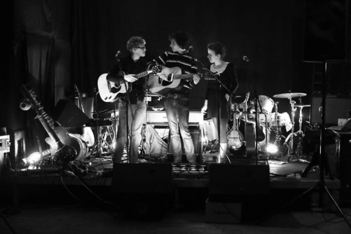 Paper Wings, concert, live, le fiacre, Liège, © photo dominique houcmant