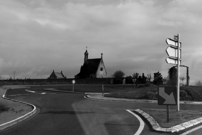 Le Donjon, 03130, Allier, Auvergne, cimetère, rond-point, France, cemetery, chapelle, photo dominique houcmant, goldo graphisme