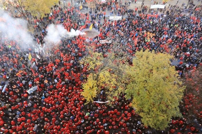 grève générale, rassemblement, manifestation, FGTB, place aint-paul, Liège, photo dominique houcmant, goldo graphisme
