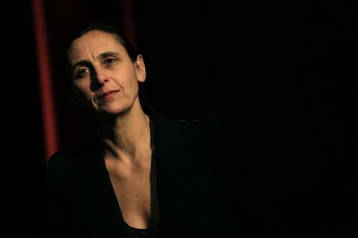 portrait 3 de Anne Teresa De Keersmaeker, chorégraphe, danse, cinema le Parc liège, photo dominique houcmant, goldo graphisme