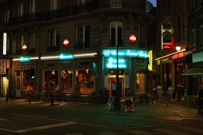 coin de la rue Léopold et de la rue Souverain-Pont, Liège, L'Euro Saint-Lambert, taverne restaurant, street corner, © photo dominique houcmant