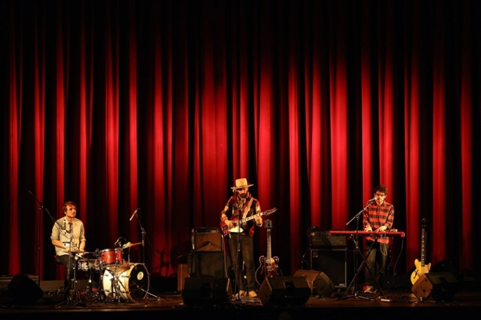 herman dune group, concert BOF Mariage à mendoza, cinema le Parc liège, photo dominique houcmant, goldo graphisme